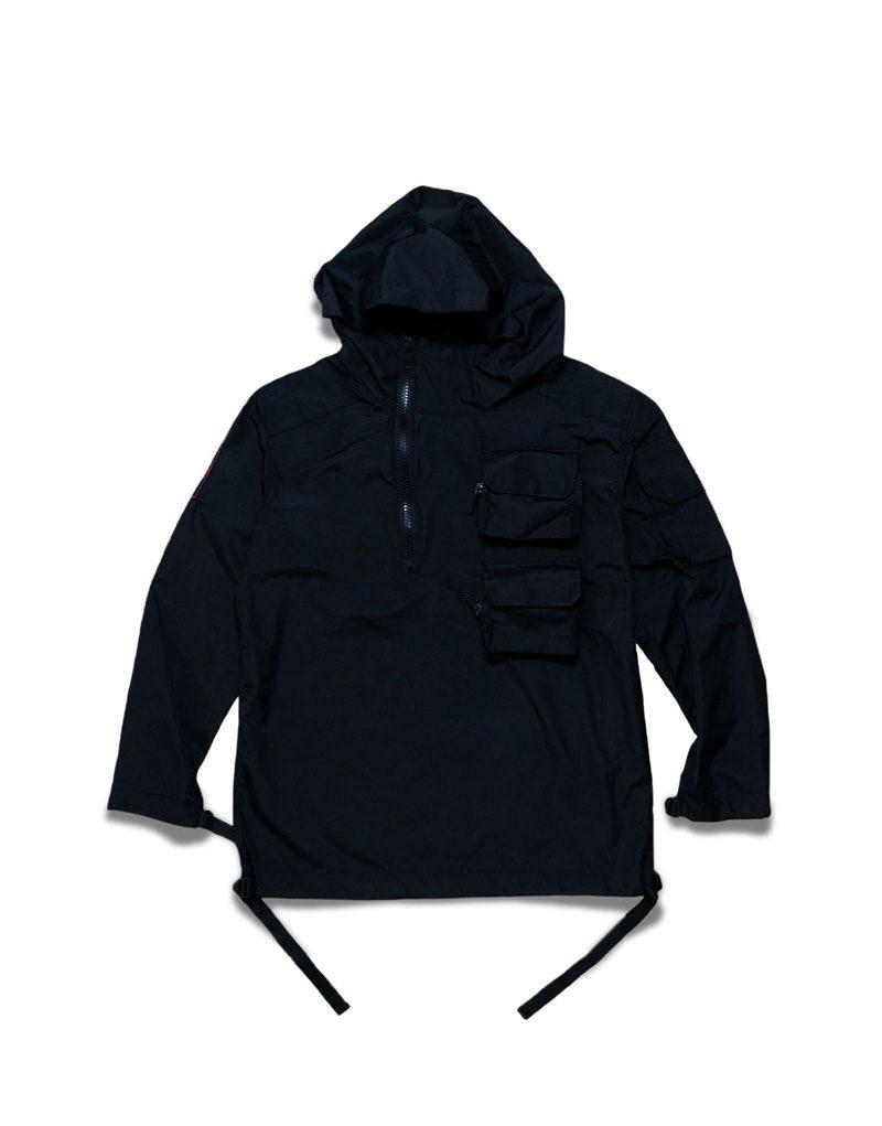 Черная куртка анорак